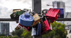padlocks-1009021_1280